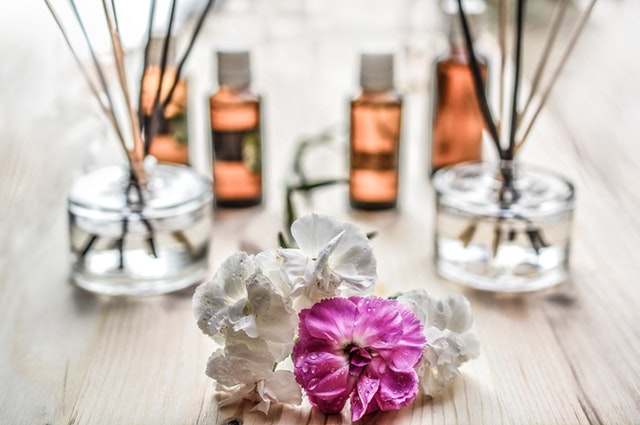 Aroma Therapy as a Complementary Therapy for Dementia